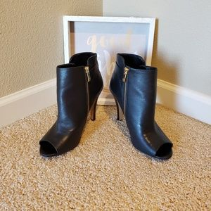 "Vince Camuto ""Kemba"" Peep toe Booties. Size 9"